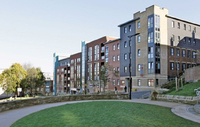The-Castle-Sheffield-Outdoor-Communal-Area-Unilodgers