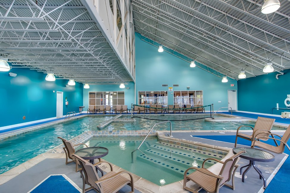 The-Club-At-Chandler-Crossings-East-Lansing-MI-Swimming-Pool-Unilodgers