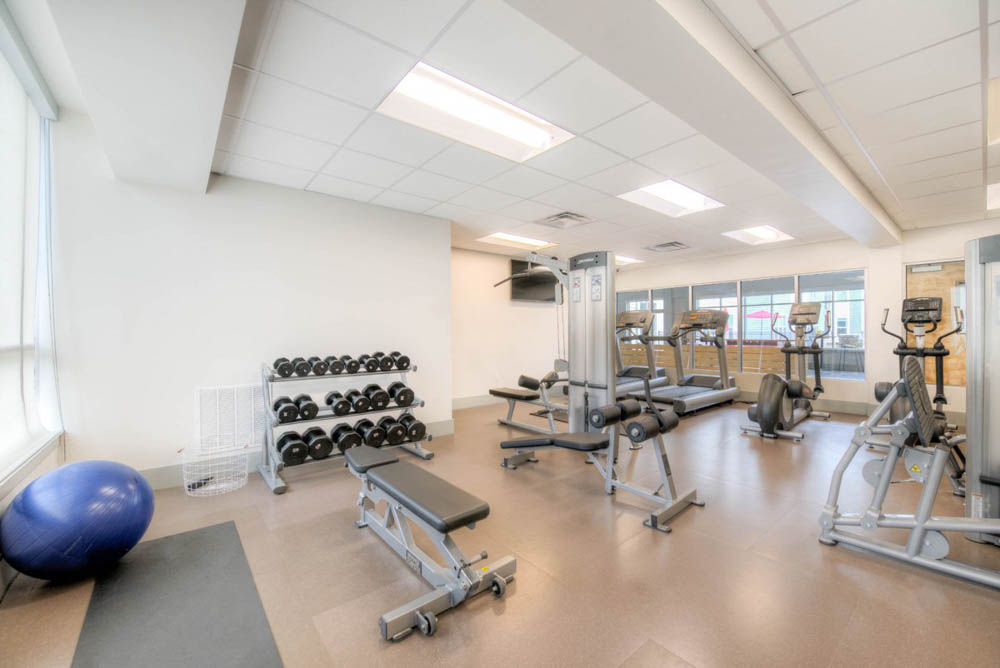 The-Clubhouse-Student-Apartments-Louisville-KY-Gym-Unilodgers