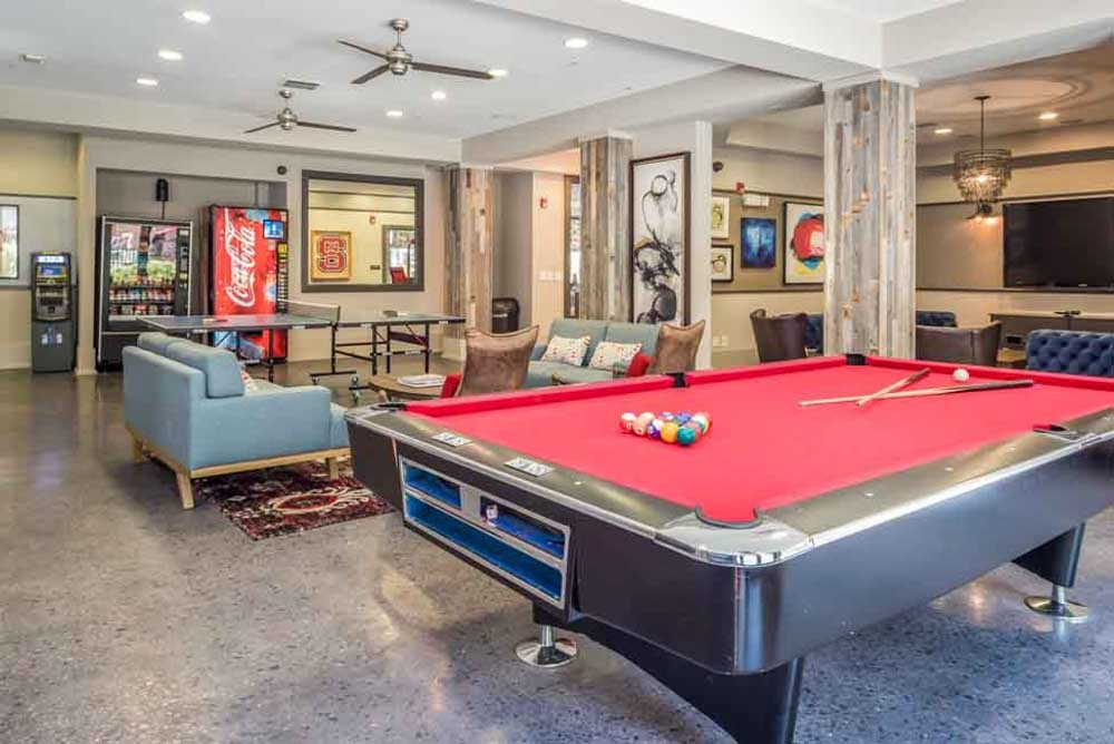 The-College-Inn-Raleigh-NC-Games-Room-Unilodgers