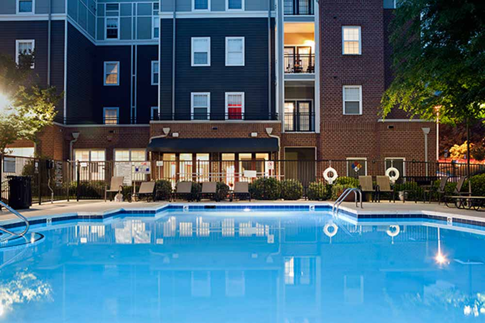 The-College-Inn-Raleigh-NC-Swimming-Pool-Unilodgers