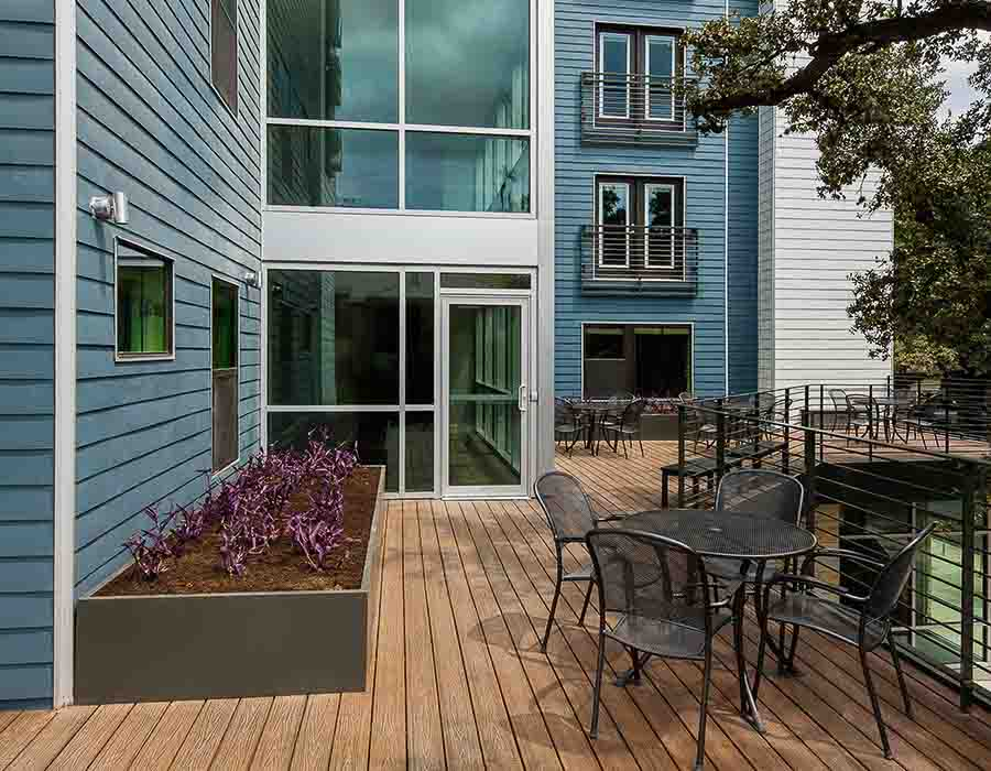 The-Corner-Austin-TX-Outdoor-Space-Unilodgers