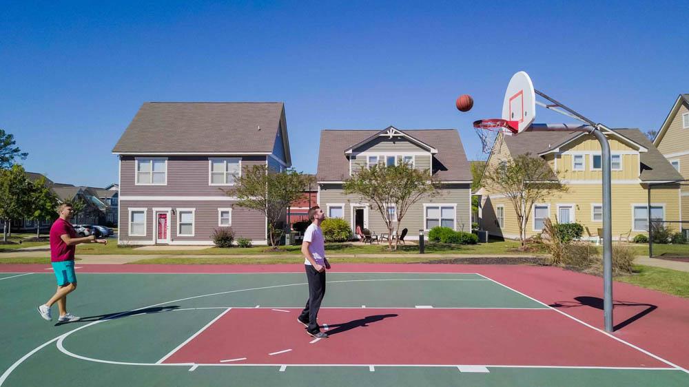 The-Cottages-At-Lake-Tamaha-Tuscaloosa-AL-Basketball-Court-Unilodgers