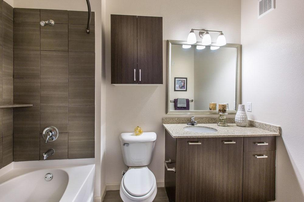 The-Exchange-At-Baton-Rouge-Baton-Rouge-LA-Bathroom-With-Basin-Unilodgers