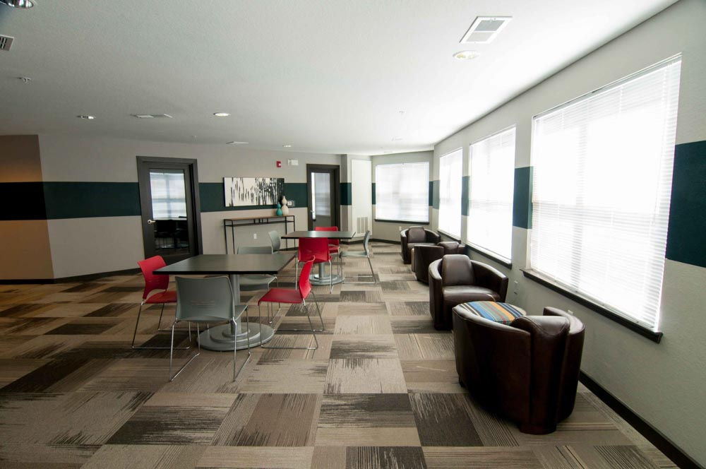 The-Flats-At-Carrs-Hill-Athens-GA-Common-Room-2-Unilodgers