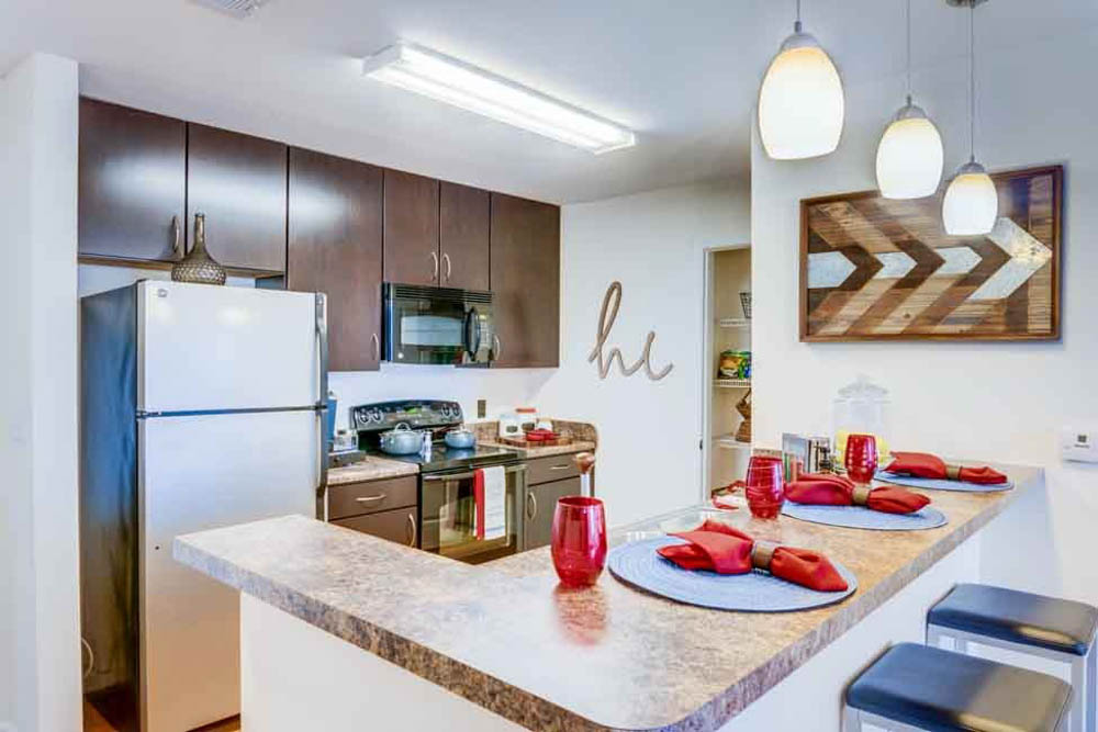 The-Flats-At-Carrs-Hill-Athens-GA-Kitchen-With-Breakfast-Bar-Unilodgers