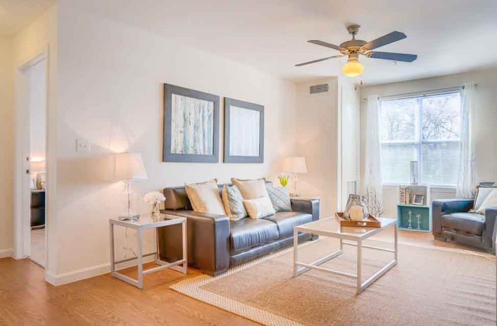 The-Flats-At-Carrs-Hill-Athens-GA-Living-Area-Unilodgers