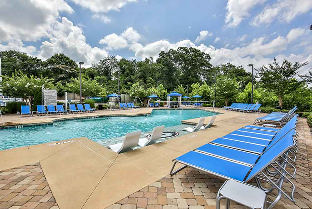 The-Flats-At-Carrs-Hill-Athens-GA-Swimming-Pool-Unilodgers
