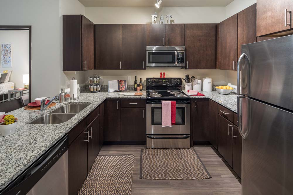 The-Foundry-Ames-IA-Kitchen-Unilodgers