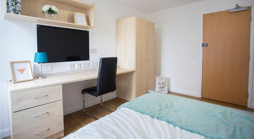 The-Glasshouse-Nottingham-Premium-6-Bed-Non-Ensuite-04-Unilodgers