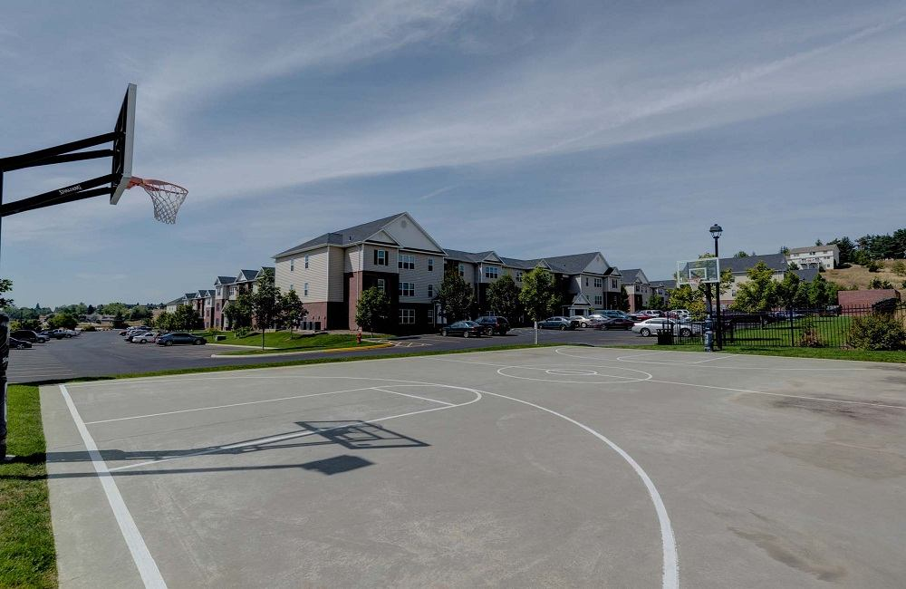 The-Grove-At-Moscow-ID-Basketball-Court-Unilodgers