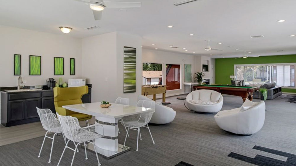 The-Hub-At-Tallahassee-Apartment-Homes-Tallahassee-FL-Common-Room-Unilodgers