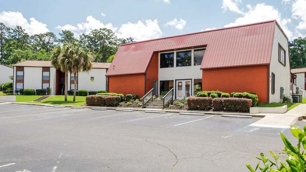 The-Hub-At-Tallahassee-Apartment-Homes-Tallahassee-FL-Exterior-Unilodgers