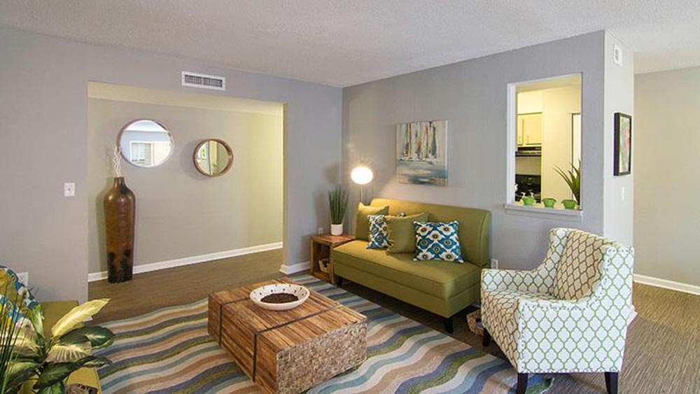 The-Hub-At-Tallahassee-Apartment-Homes-Tallahassee-FL-Living-Area-2-Unilodgers