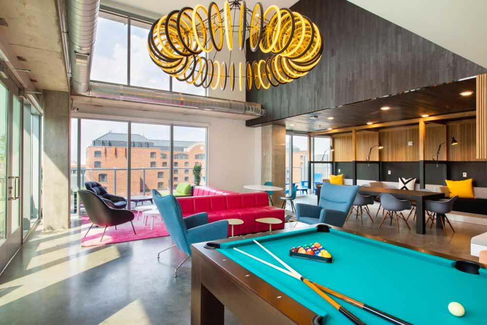 The-Hub-Minneapolis-MN-Pool-Table-Unilodgers
