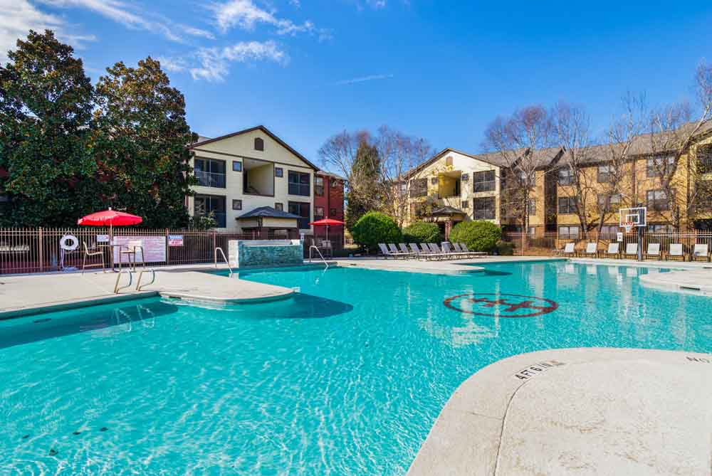 The-Lodge-Of-Athens-Athens-GA-Swimming-Pool-Unilodgers