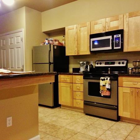 The-Lofts-Morgantown-WV-Kitchen-Unilodgers