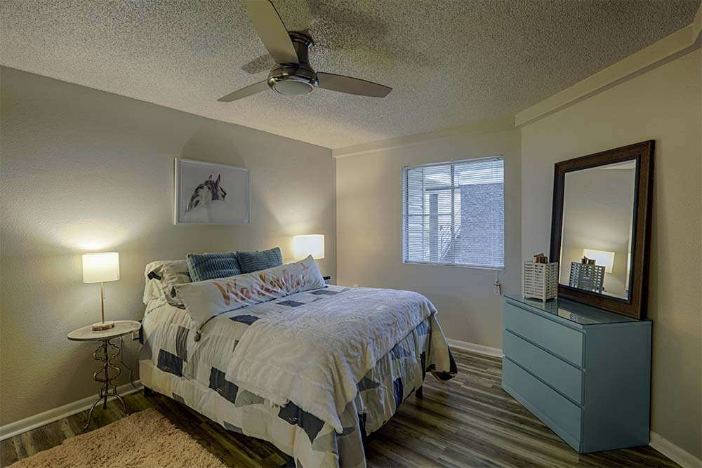 The-Meridian-Tallahassee-FL-Bedroom-Unilodgers