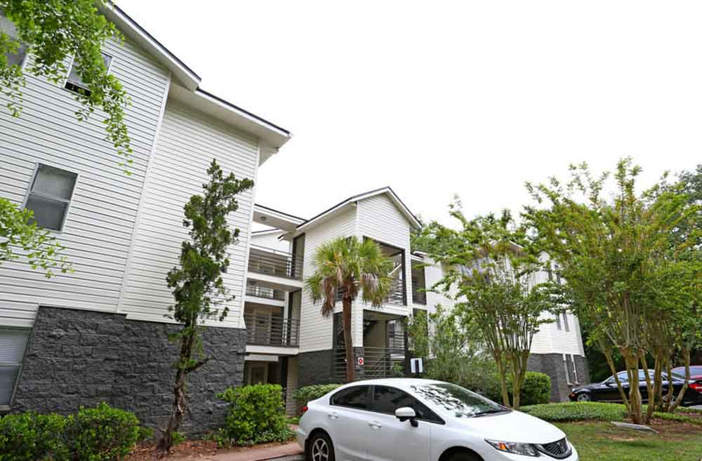 The-Meridian-Tallahassee-FL-Exterior-Unilodgers