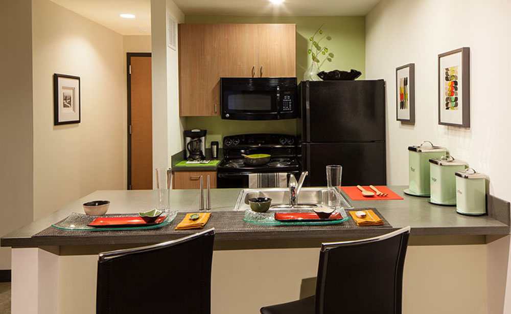 The-Radian-Philadelphia-PA-Kitchen-With-Breakfast-Bar-Unilodgers