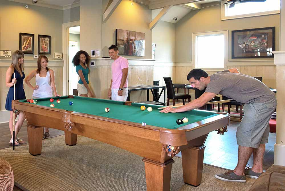 The-Republic-At-Denton-TX-Pool-Table-Unilodgers
