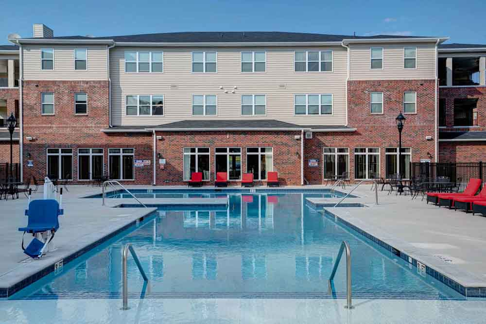 The-Reserve-At-Greensboro-NC-Poolside-Unilodgers