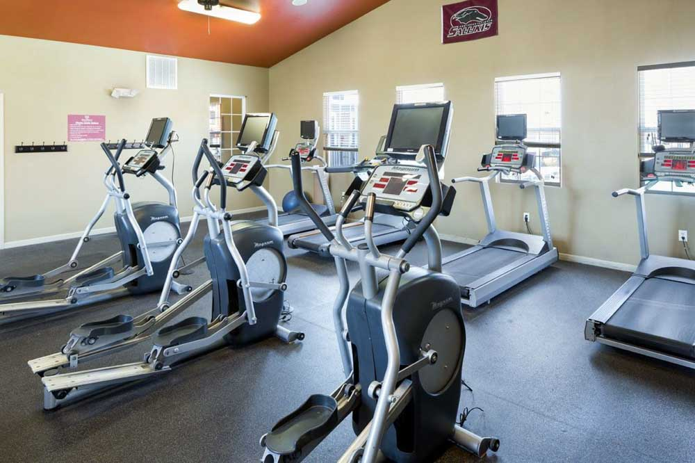 The-Reserve-At-Saluki-Pointe-Carbondale-IL-Gym-Unilodgers