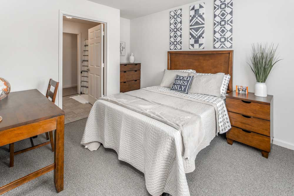 The-Reserve-Mount-Pleasant-MI-Bedroom-Unilodgers