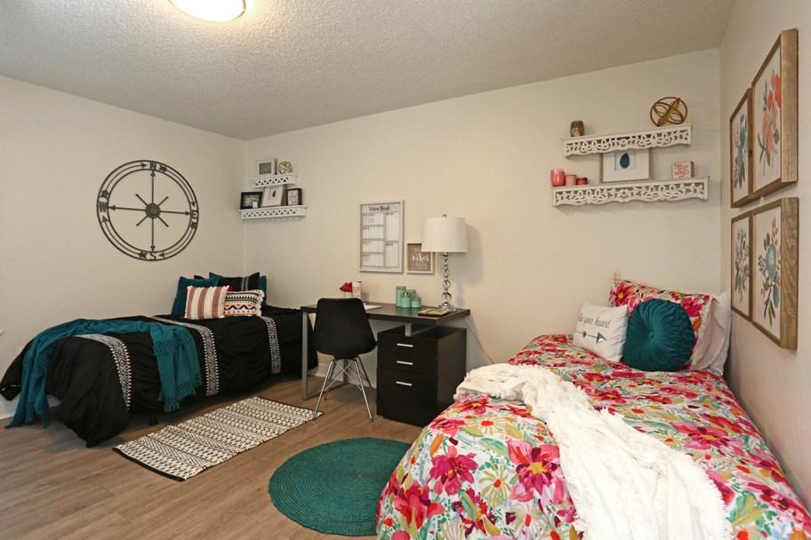 The-Slo-Student-Living-San-Luis-Obispo-CA-Bedroom-3-Unilodgers