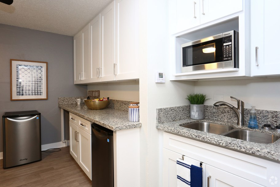 The-Slo-Student-Living-San-Luis-Obispo-CA-Kitchen-Unilodgers