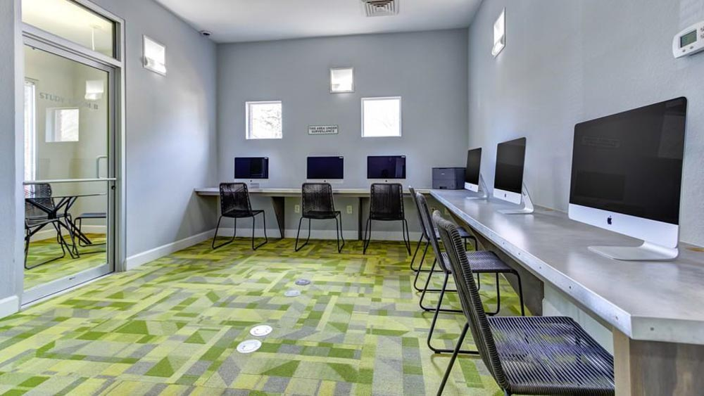 The-Social-2700-Student-Spaces-Tallahassee-FL-Computer-Lounge-Unilodgers