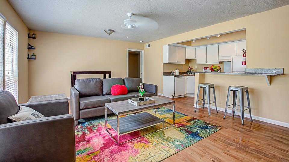 The-Social-Block-Starkville-MS-Living-Room-Unilodgers