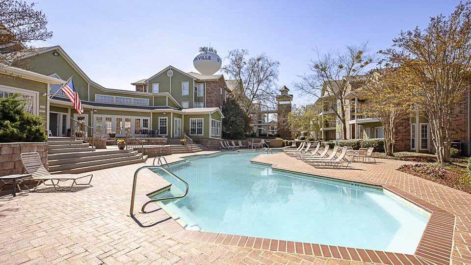 The-Social-Block-Starkville-MS-Swimming-Pool-Unilodgers