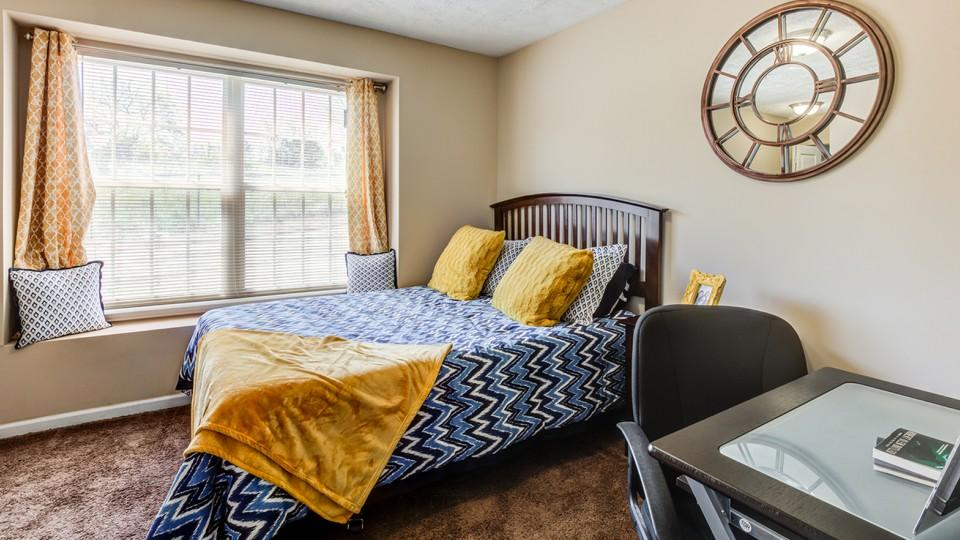 The-Social-Campus-Starkville-MS-Bedroom-Study-Area-Unilodgers