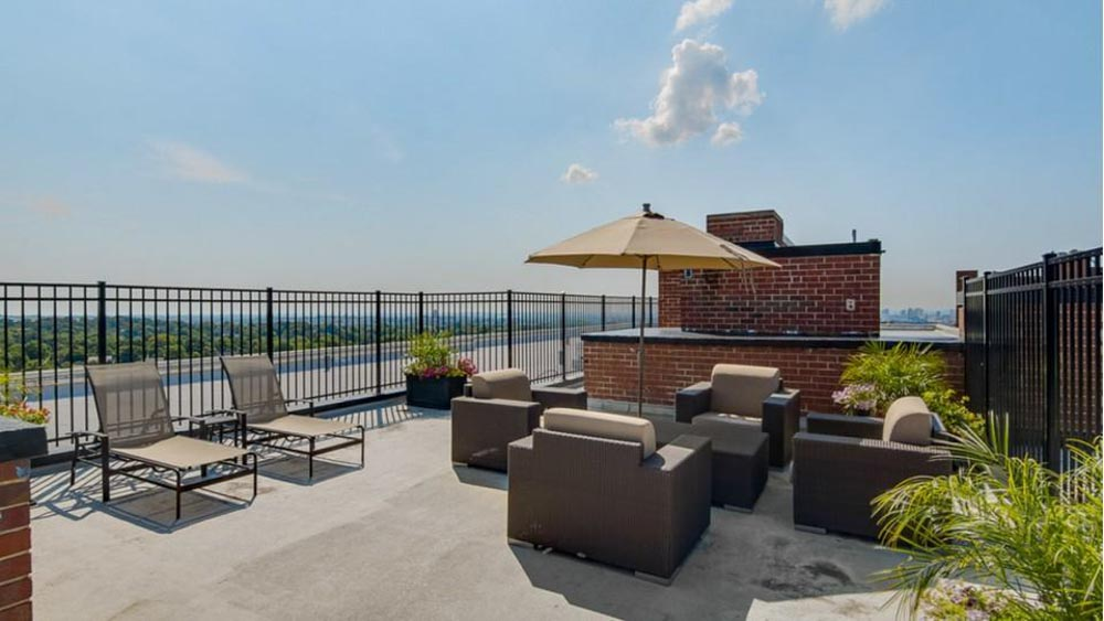 The-Social-North-Charles-Baltimore-MD-Sky-Courtyard-2-Unilodgers