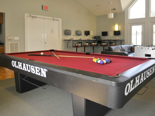 The-Southern-@-1051-Pool-Colombia-SC-Unilodgers