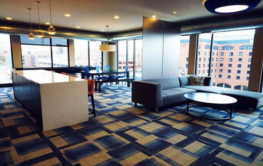 The-Station-On-Washington-Minneapolis-MN-Common-Room-Unilodgers