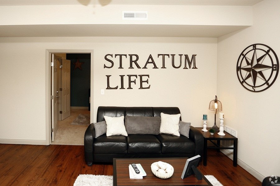 The-Stratum-At-Indiana-Bloomington-Living-Room-Unilodgers
