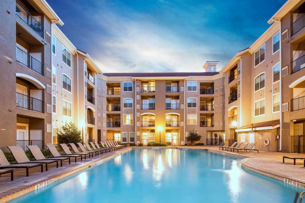 The-Suites-At-Overton-Park-Lubbock-TX-Swimming-Pool-Unilodgers
