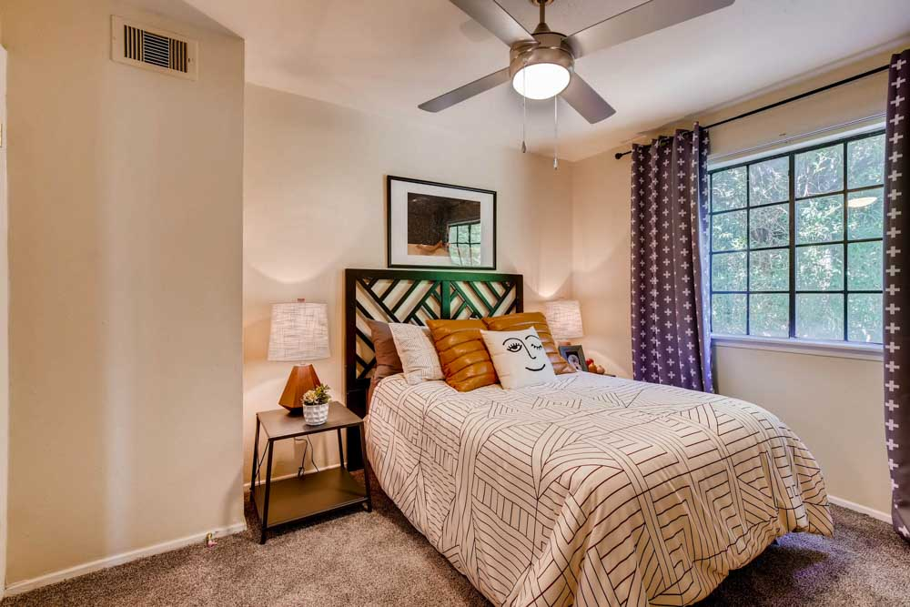 The-Timbers-San Marcos-TX-Bedroom-Unilodgers