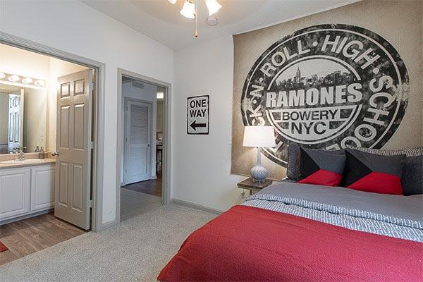 The-Vault-At-Statesboro-GA-Bedroom-2-Unilodgers