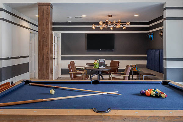 The-Vault-At-Statesboro-GA-Pool-Table-Unilodgers