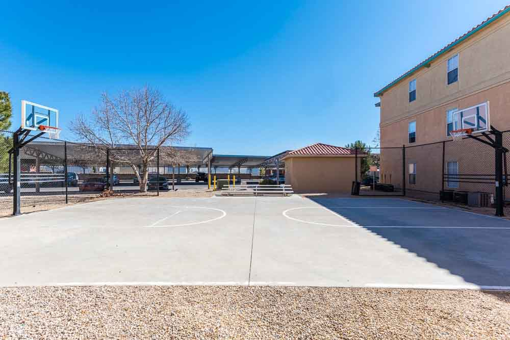 The-Verge-At-Las-Cruces-NM-Basketball-Court-Unilodgers