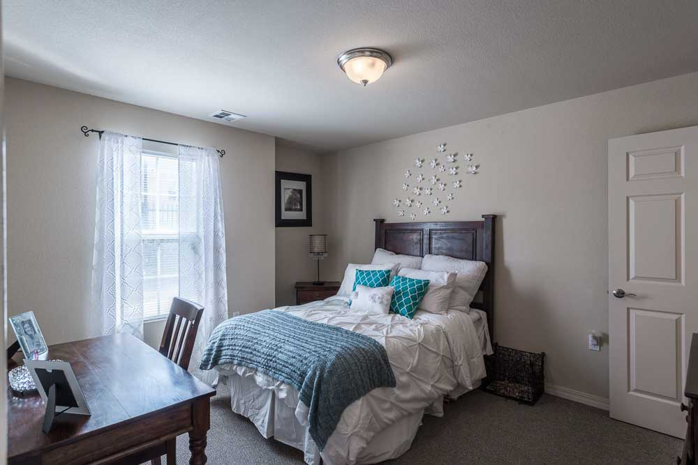 The-Verge-At-Las-Cruces-NM-Bedroom-Unilodgers