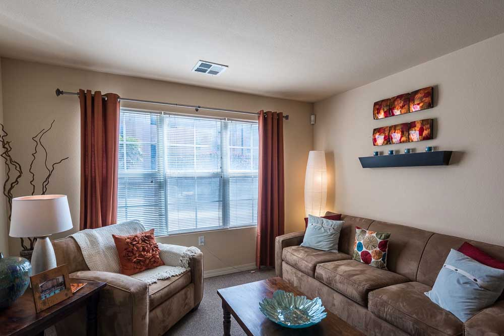 The-Verge-At-Las-Cruces-NM-Living-Room-Unilodgers