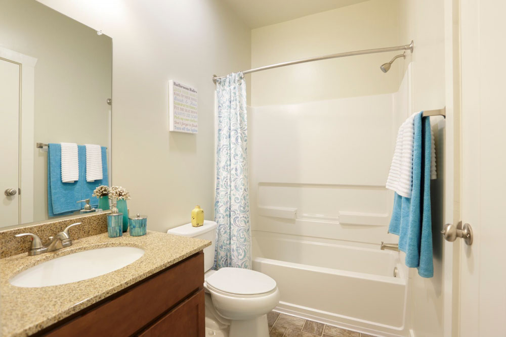 The-View--Valley-View-Villas-Albuquerque-NM-Bathroom-Unilodgers