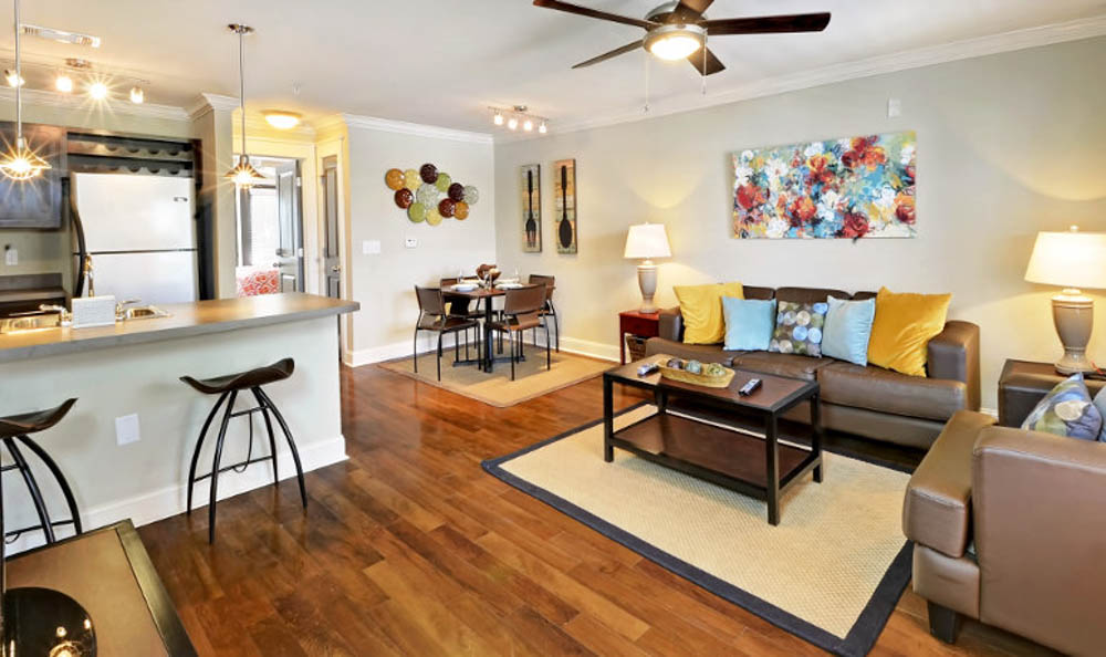 The-Village-At-Columbia-SC-Living-Area-With-Dining-Table-Unilodgers