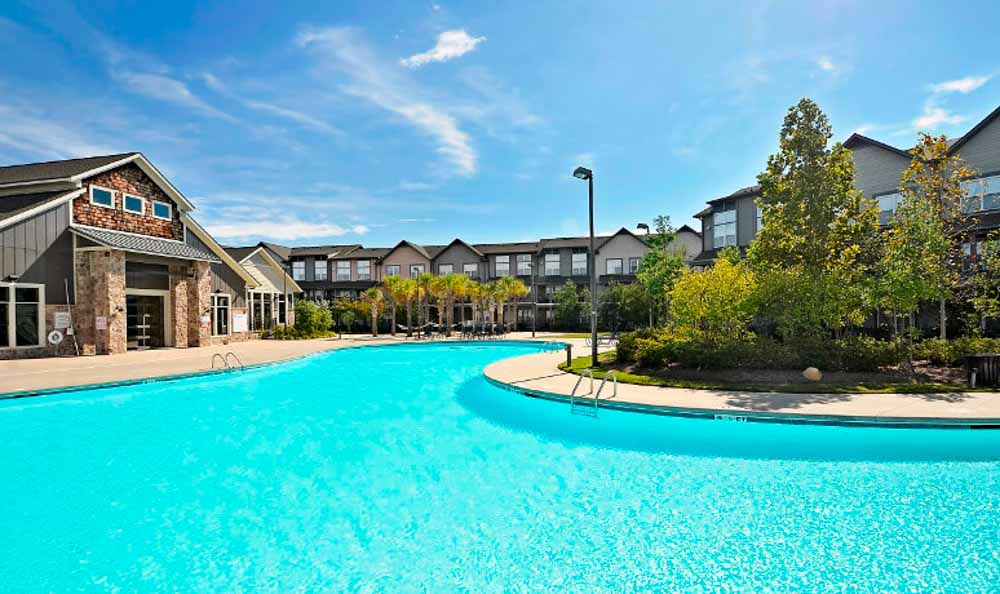 The-Village-At-Columbia-SC-Swimming-Pool-Unilodgers