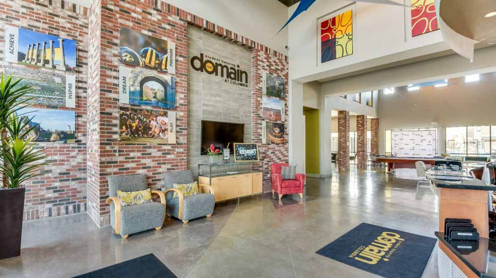 The Domain at Columbia-MO-Living1-Unilodgers