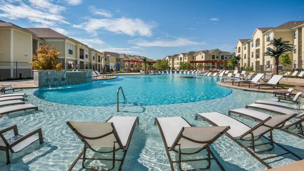 The Domain at Columbia-MO-Swimming Pool-Unilodgers